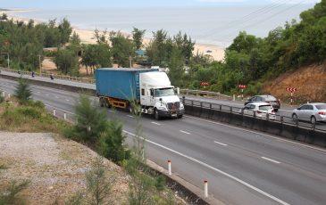 xe container thùng kín