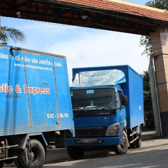 Xe tải nội thành giao hàng tận nơi