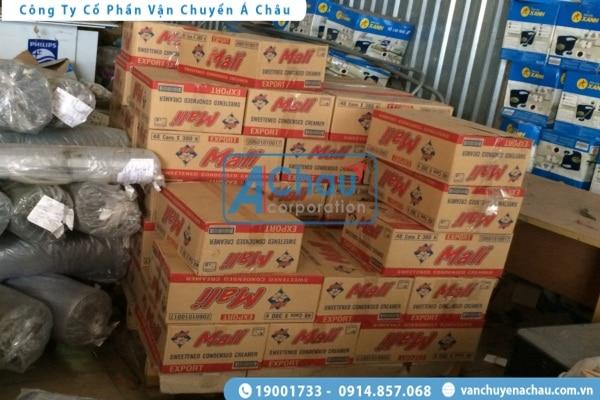 Chở hàng tiêu dùng đi Bình Phước