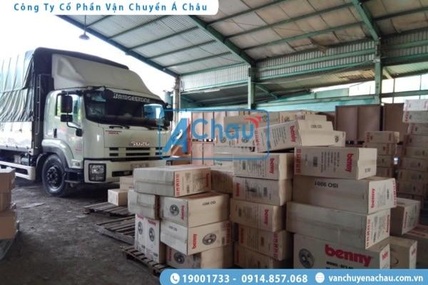 Xe tải chở hàng Á Châu