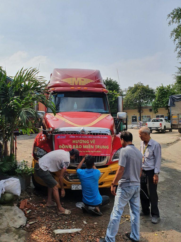 xe cứu trợ ngày 22
